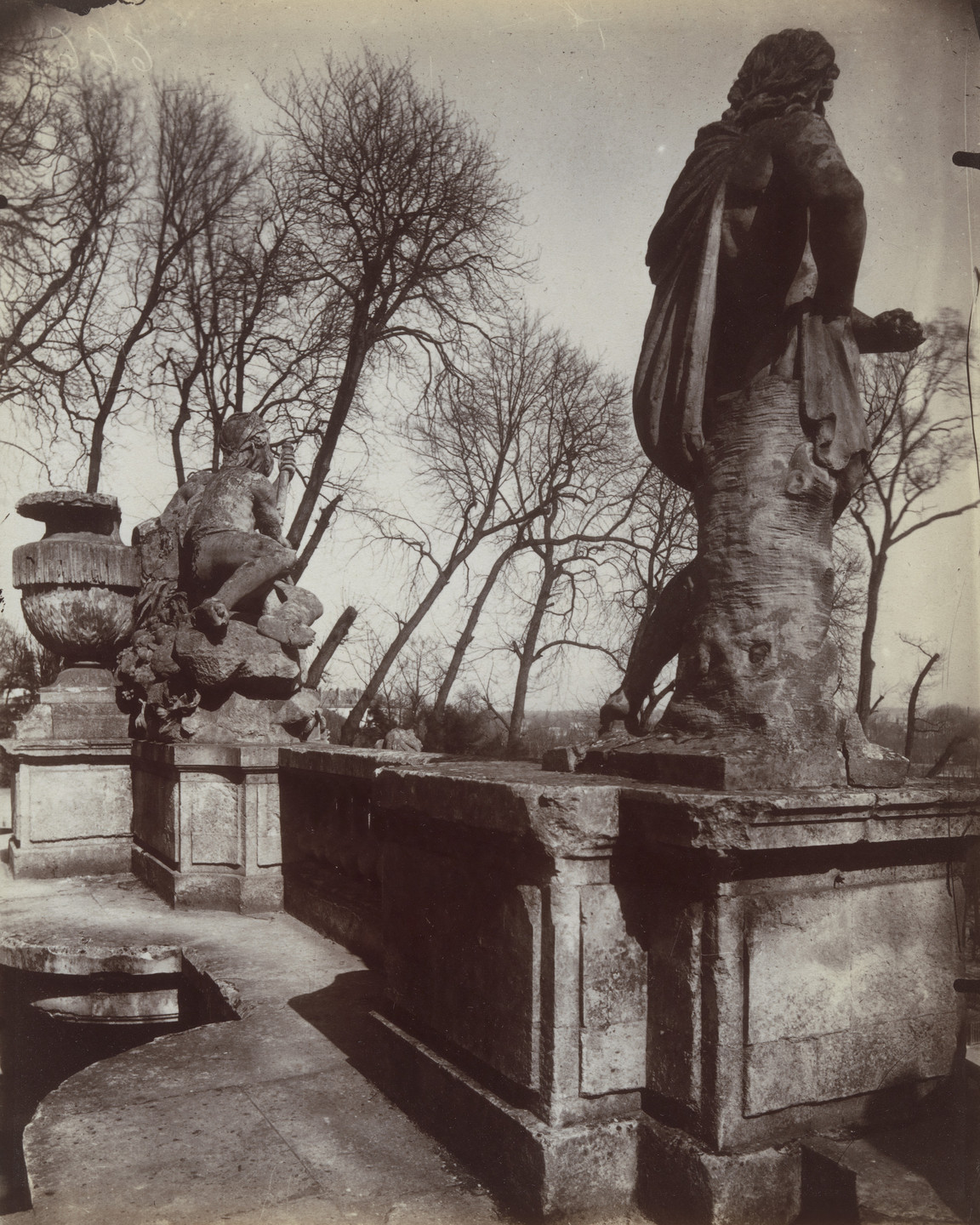 Eugène Atget. Saint-Cloud. 1907