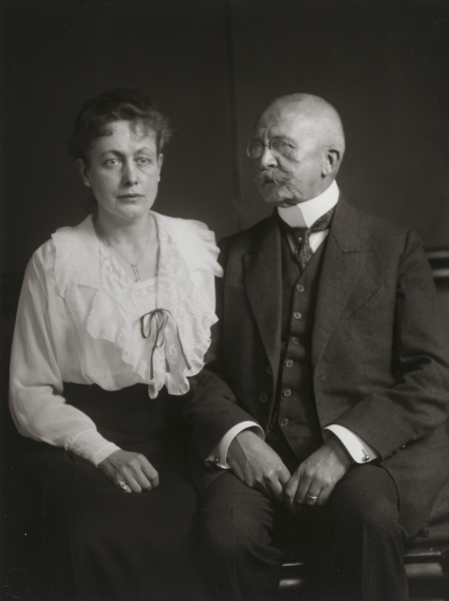 August Sander. Middle-class Couple. 1922