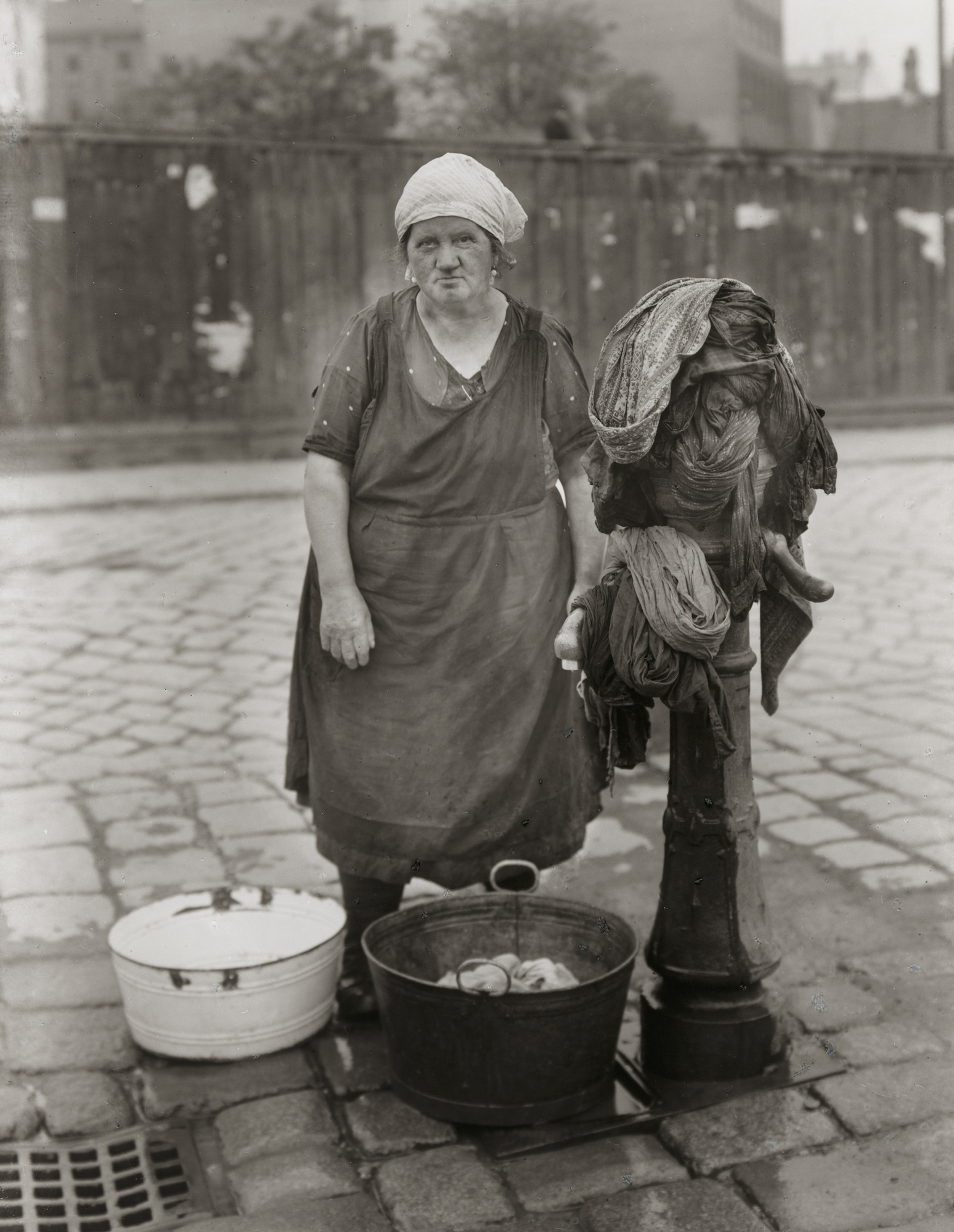August Sander. Washerwoman. c. 1930