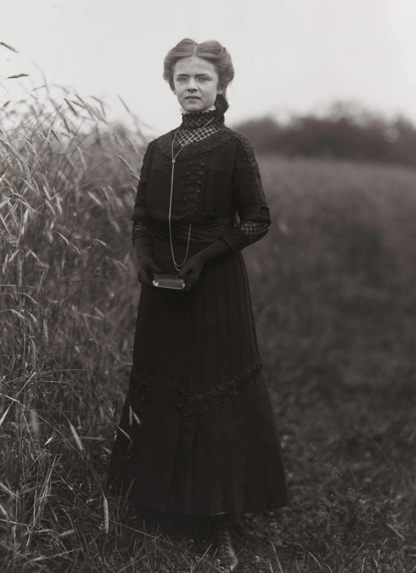 August Sander. Confirmation candidate. 1911