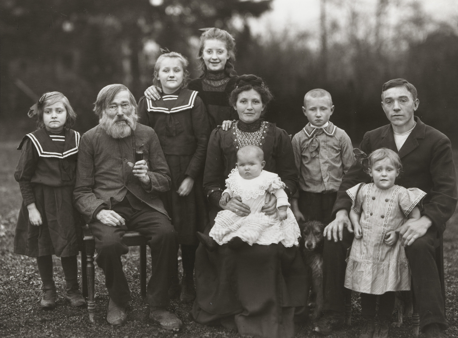 August Sander. Working-class Family. 1912