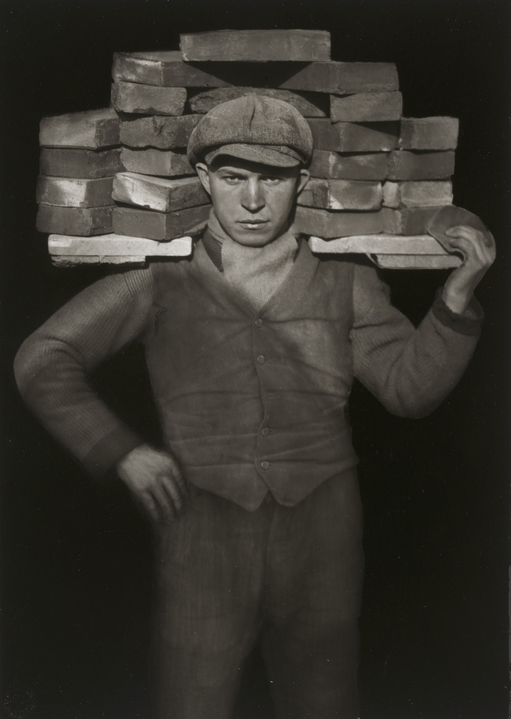 August Sander. Bricklayer. 1928