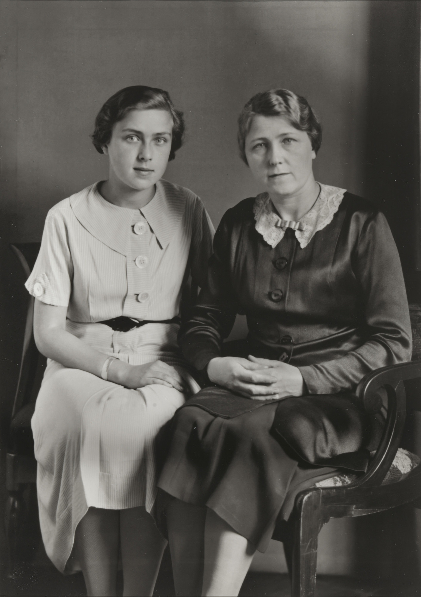 August Sander. Mother and Daughter. 1928