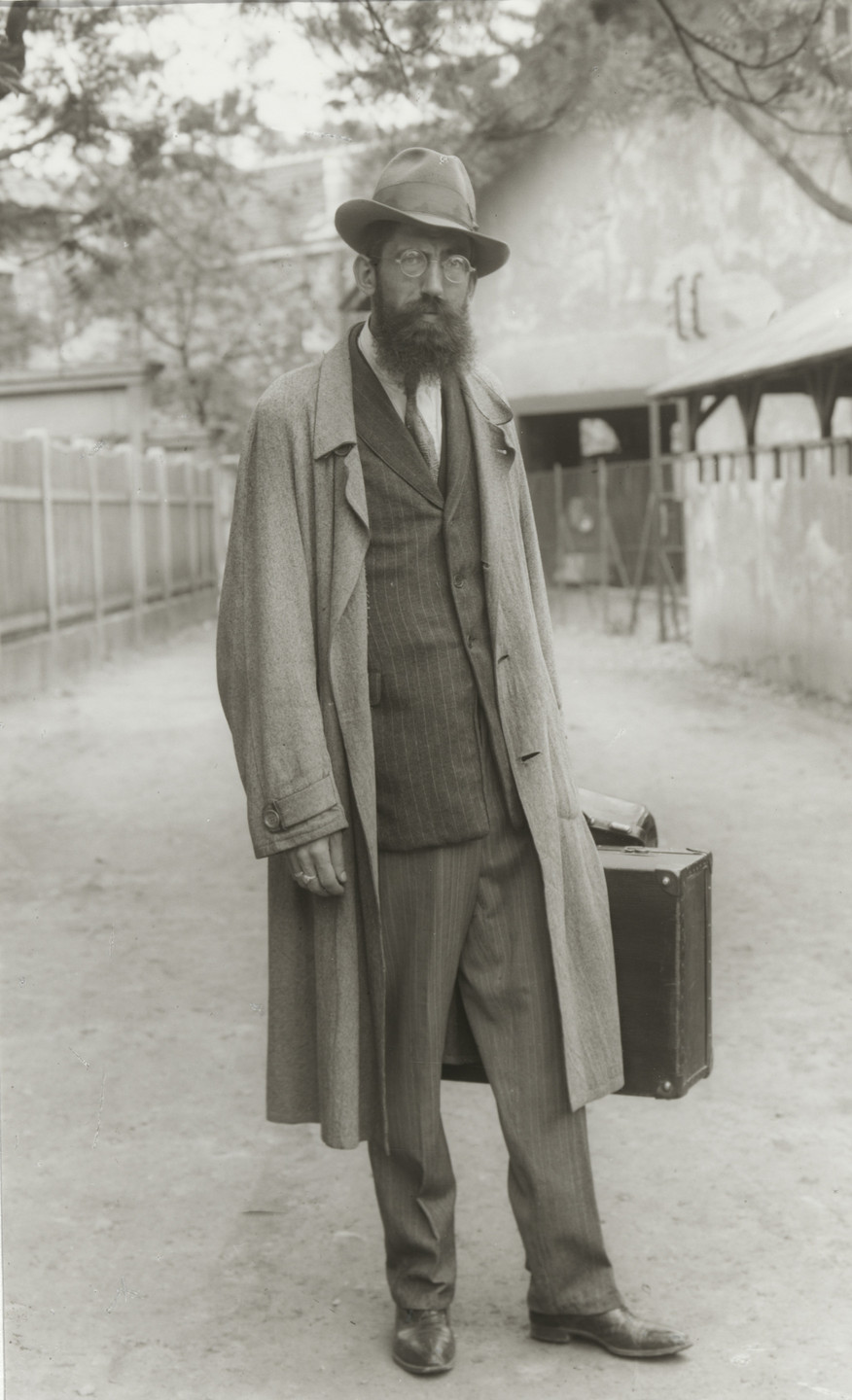 August Sander. Magician. 1930