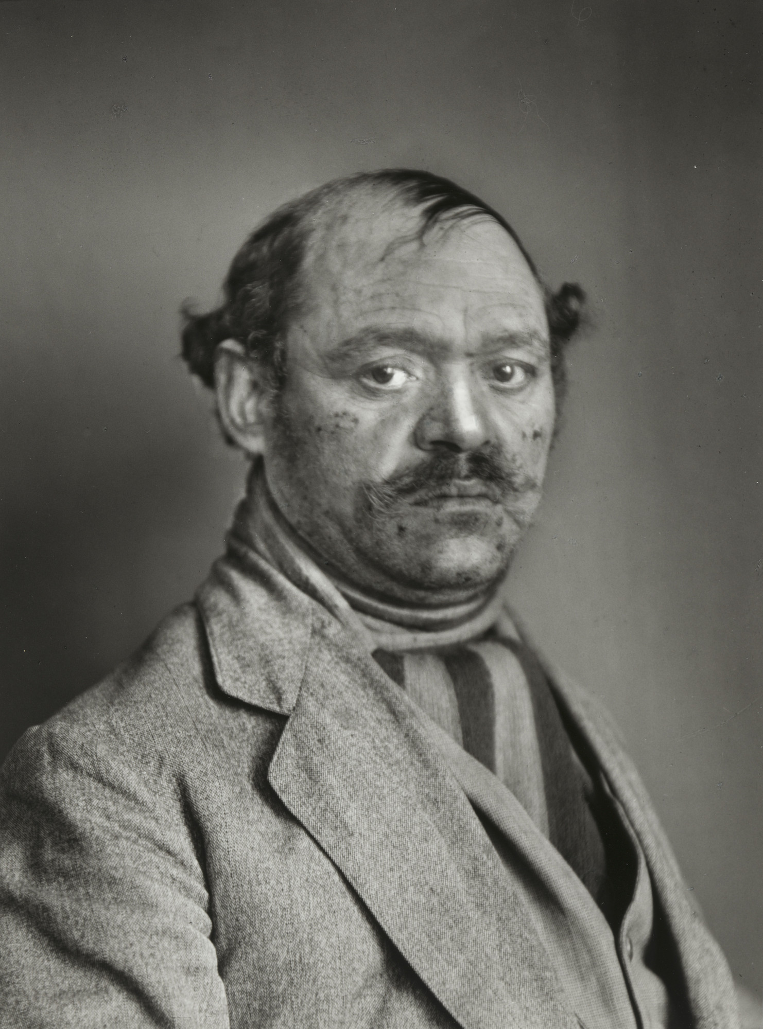 August Sander. Turkish Mousetrap Salesman. 1924-30