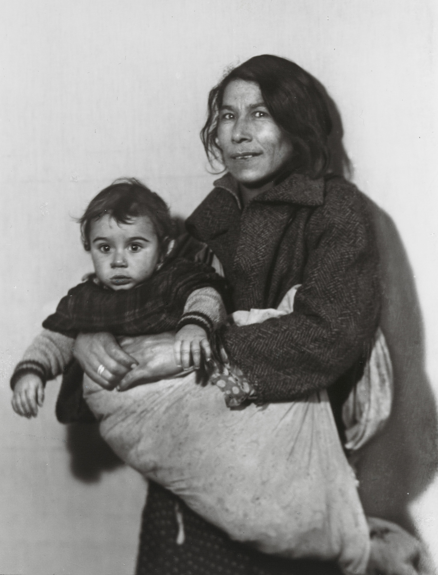 August Sander. Gypsy Woman and Child. c. 1930