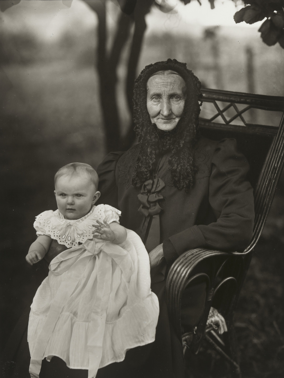 August Sander. Grandmother and Grandchild. c. 1914