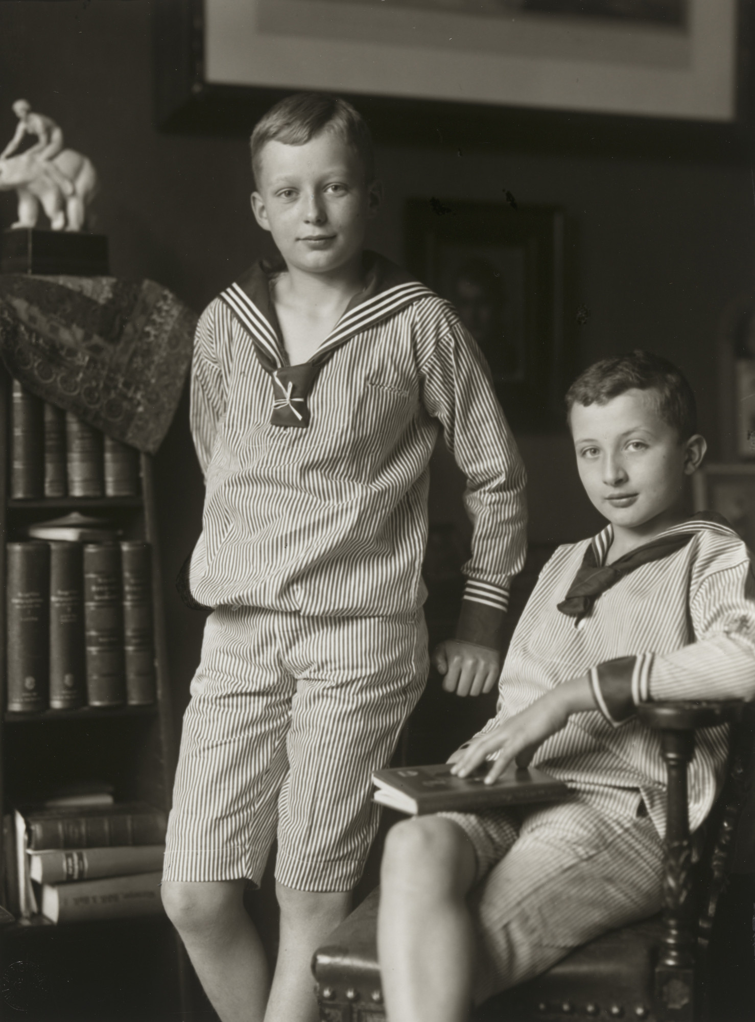August Sander. Middle-class Children. 1911-14