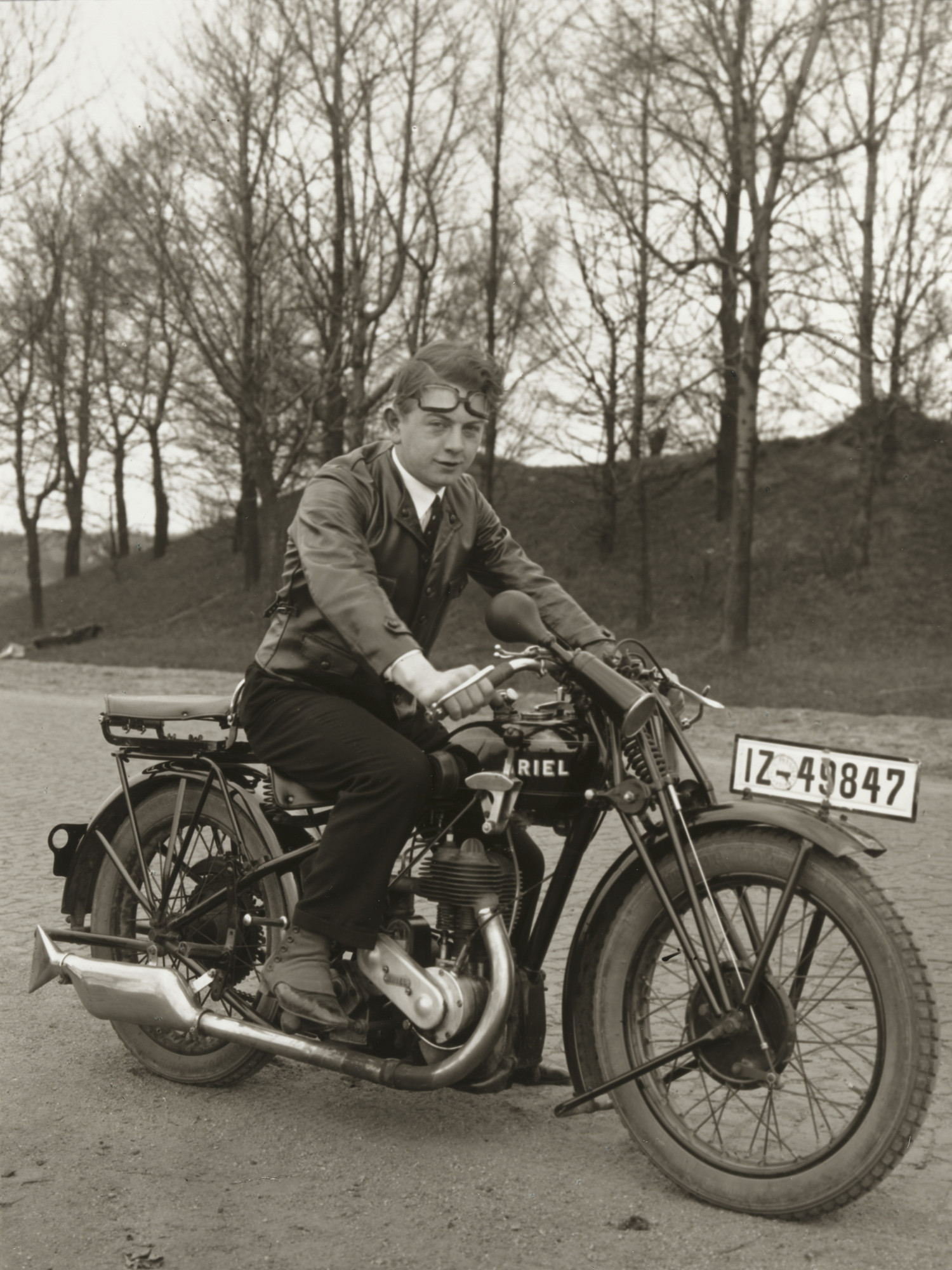 August Sander. Young Photographer [Gunther Sander]. 1929