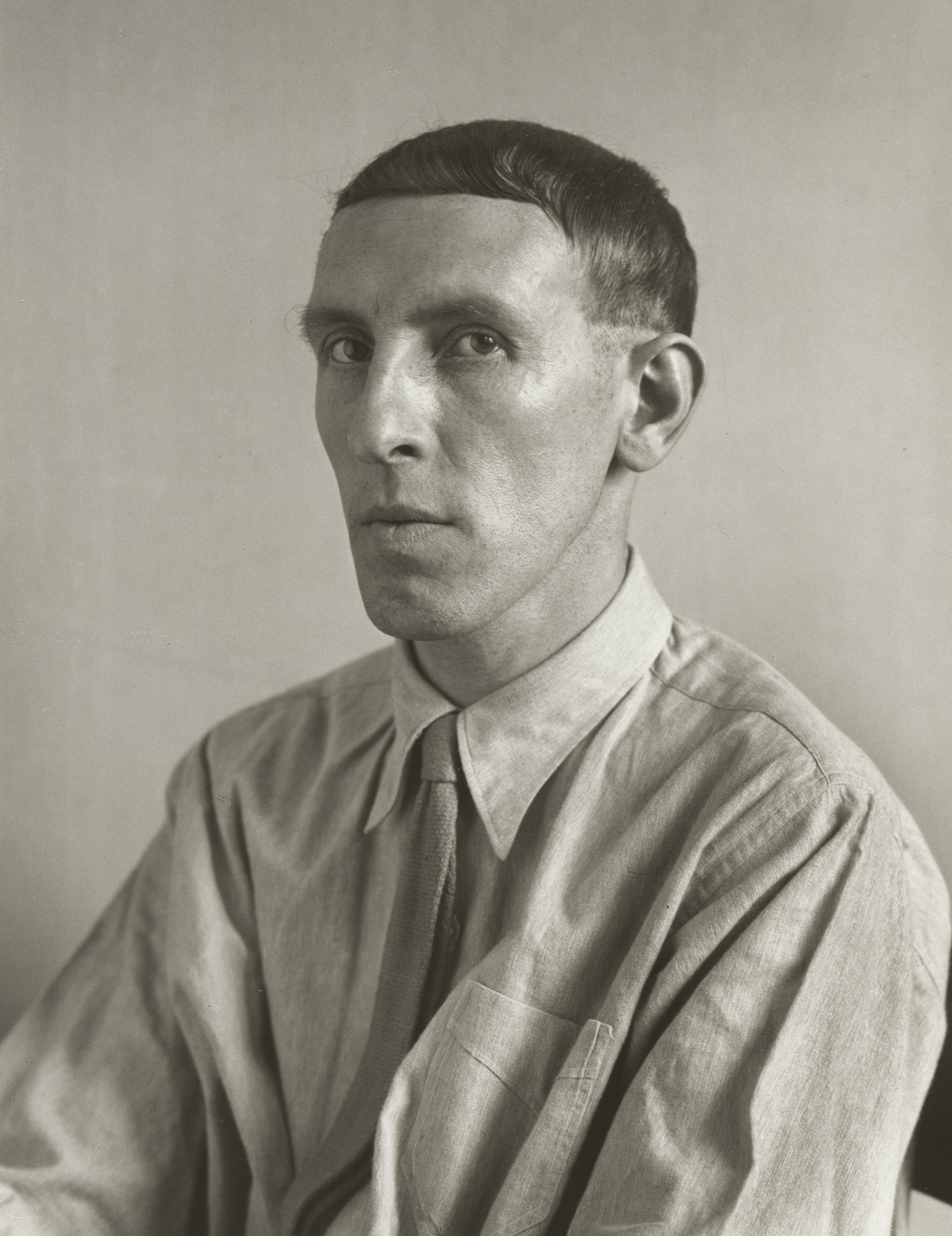 August Sander. Painter [Heinrich Hoerle]. 1928