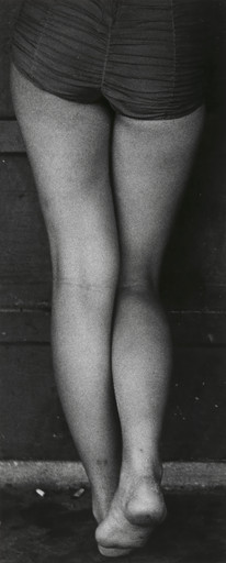 Yasuhiro Ishimoto. Untitled from the series Chicago. 1950