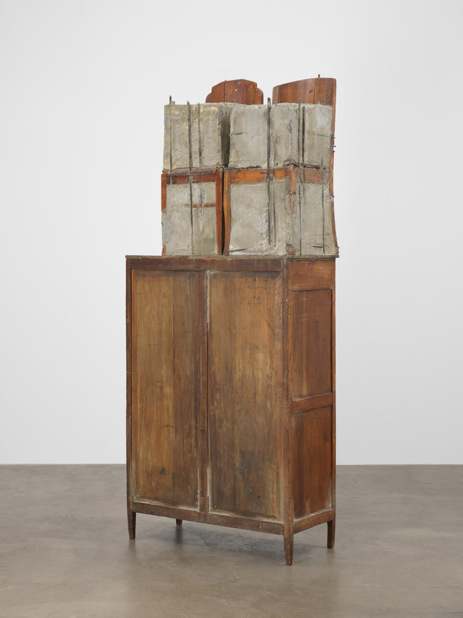 Doris Salcedo. Untitled. 1995