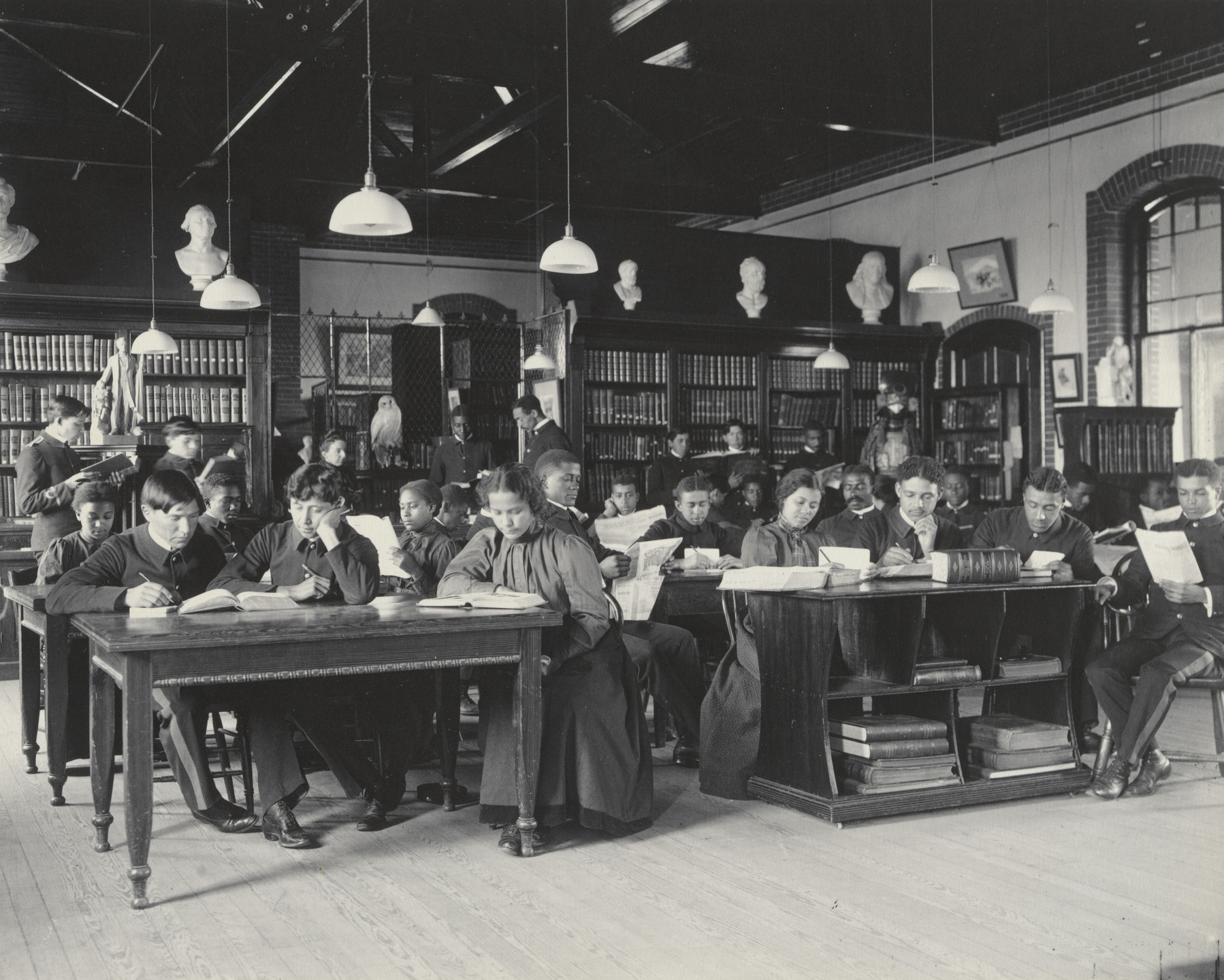 Frances Benjamin Johnston. English. Study in the Library. 1899-1900