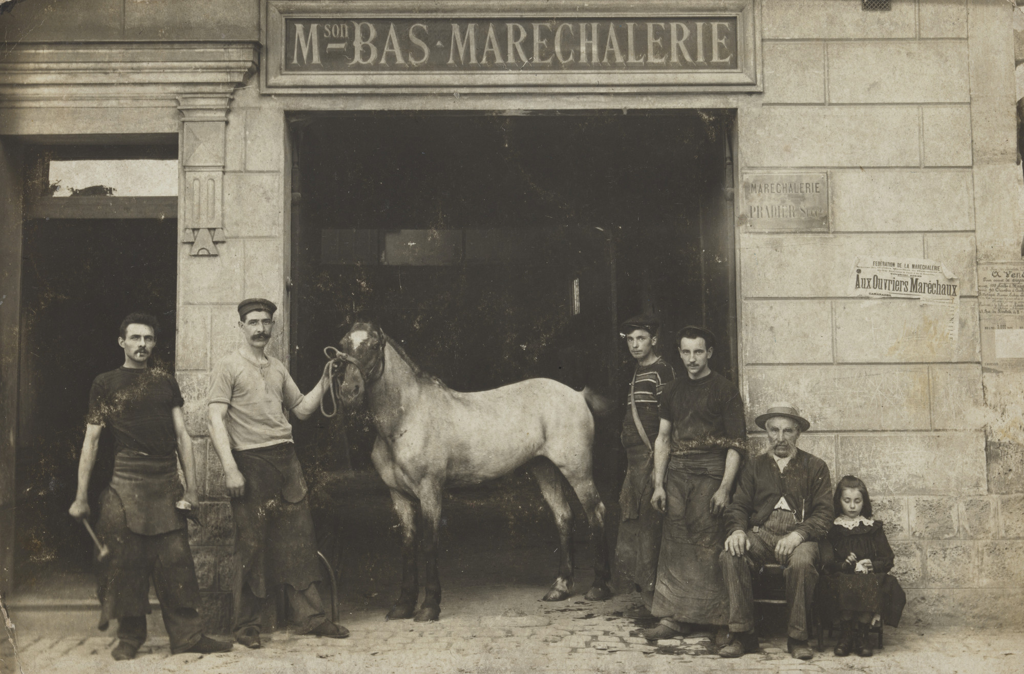 Unknown photographer. Mson Bas, Maréchalerie Pradier successeur, Plaque Guilleminot, Clermont-Ferrand. c. 1907