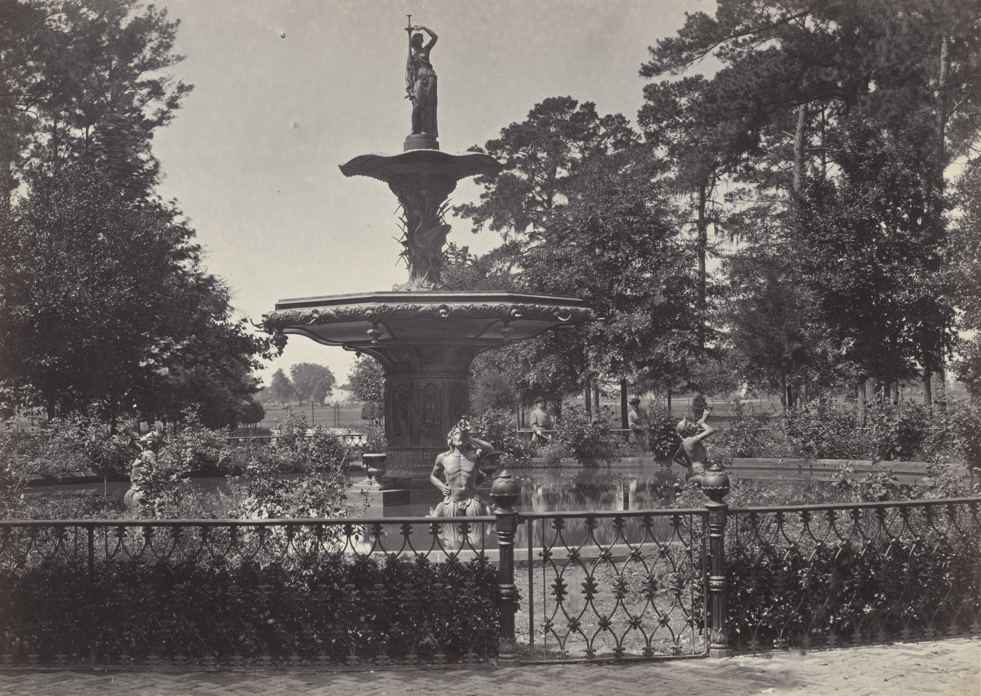 George Barnard. Fountain and Park, Savannah from the album Photographic Views of Sherman's Campaign. 1864-65