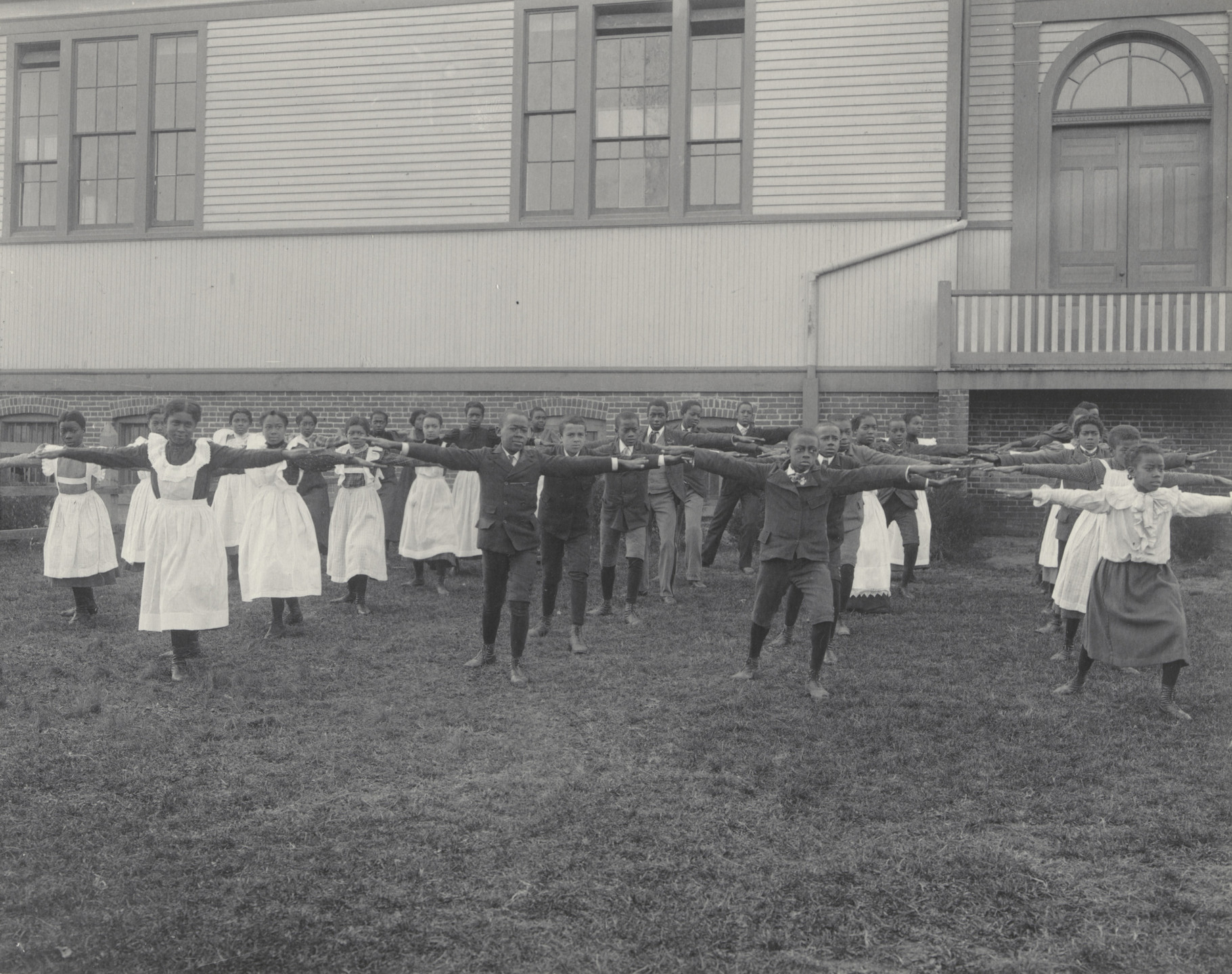 Frances Benjamin Johnston. Gymnastics at the Whittier. 1899-1900