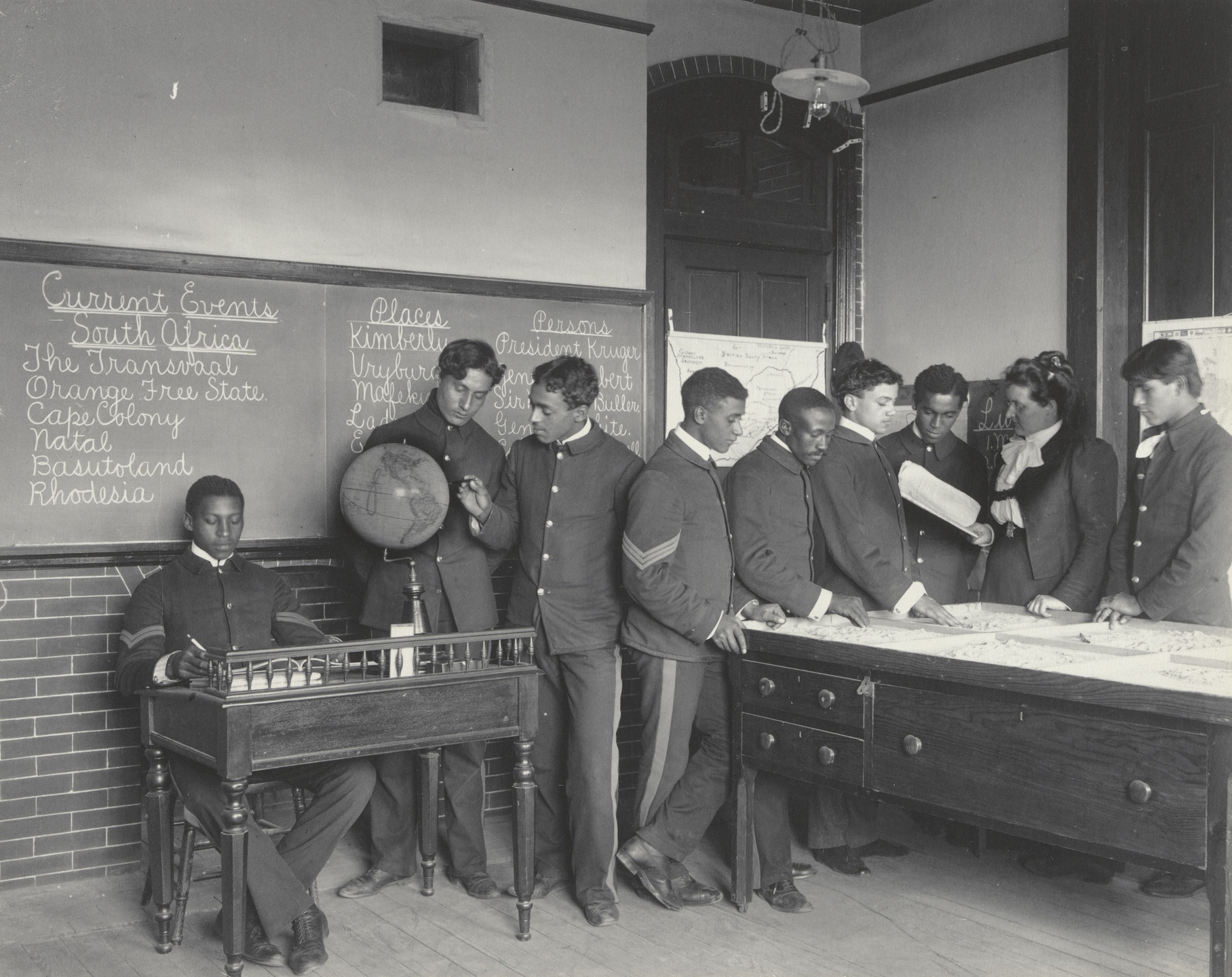 Frances Benjamin Johnston. Geography. Class in current events. 1899-1900