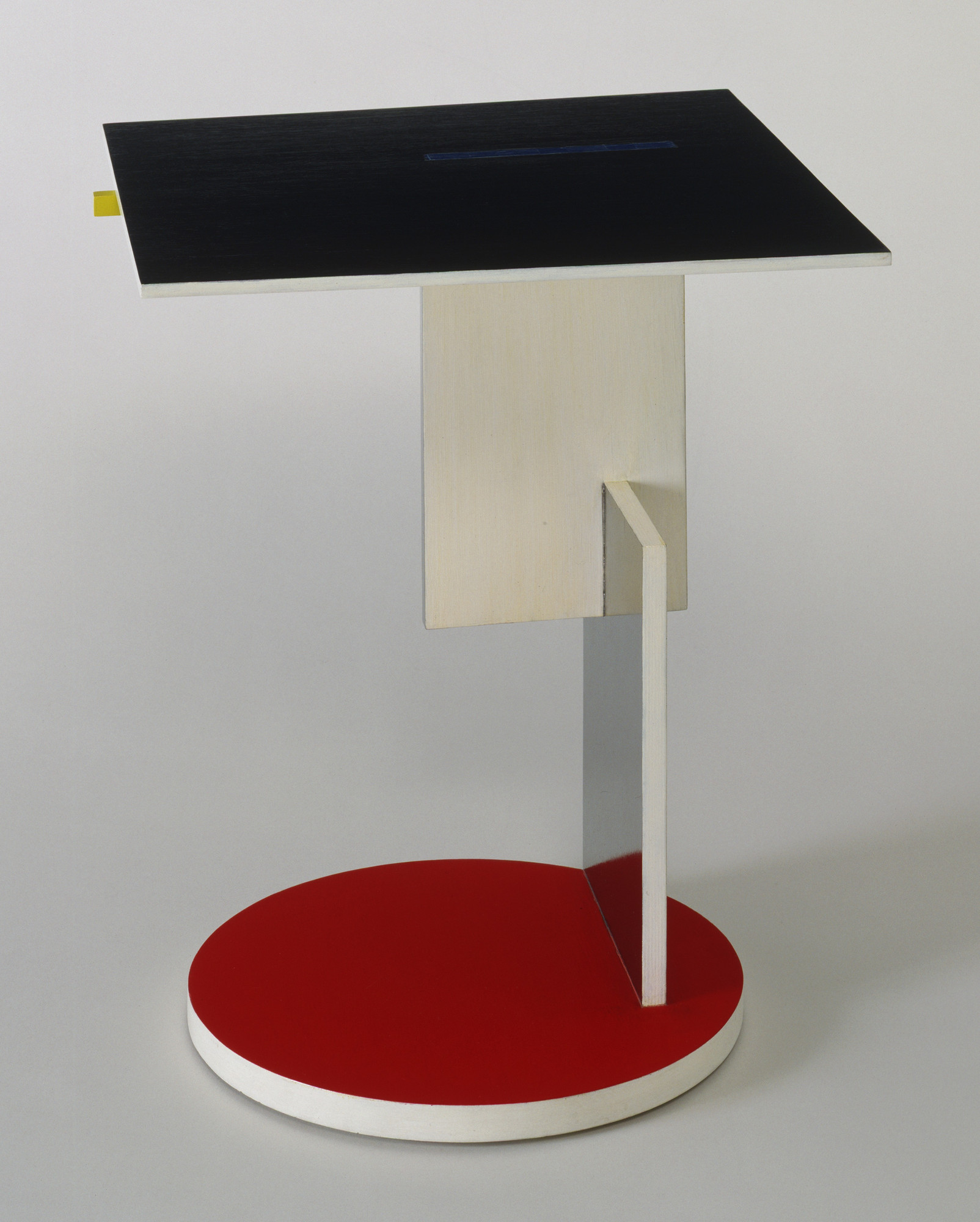 Gerrit Rietveld. Side Table. 1923