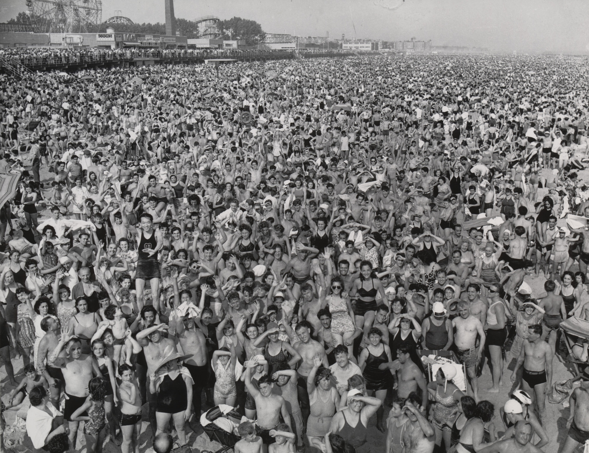 Weegee (Arthur Fellig). Coney Island. July 22, 1940