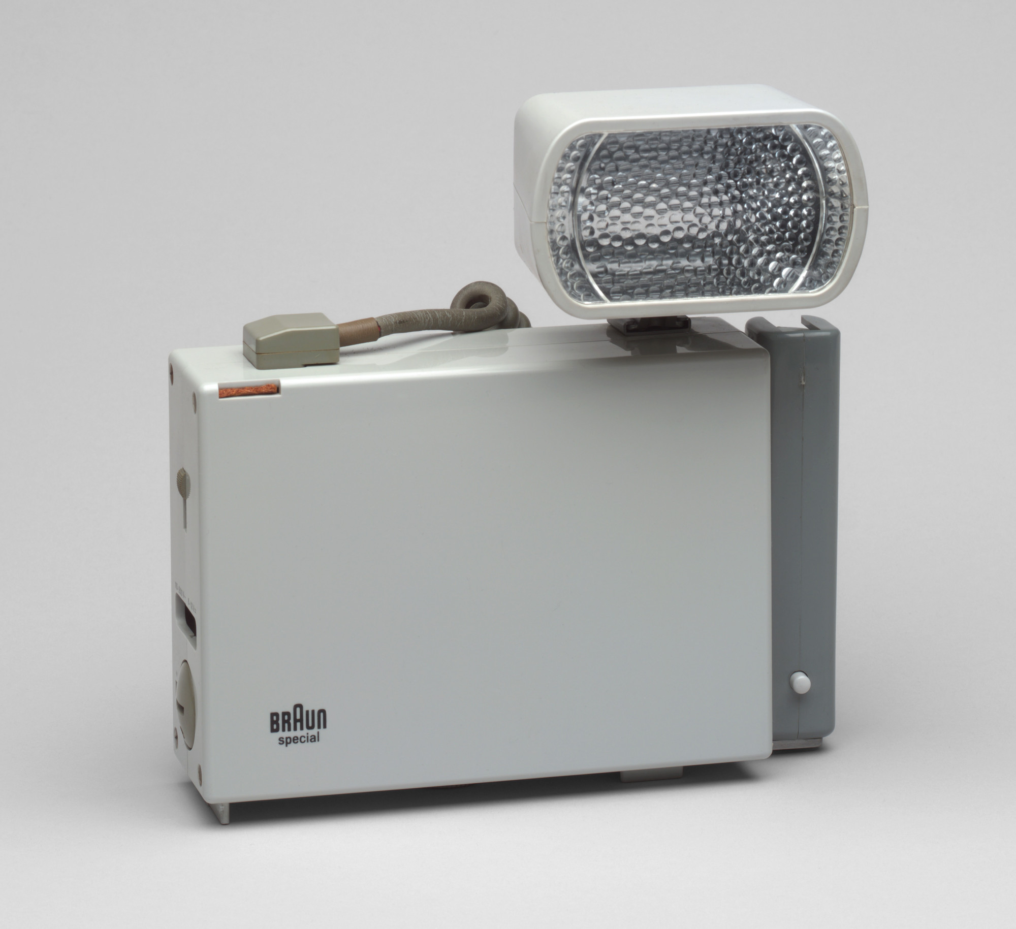 Dieter Rams. Special Battery-Powered Photo Flash. 1958