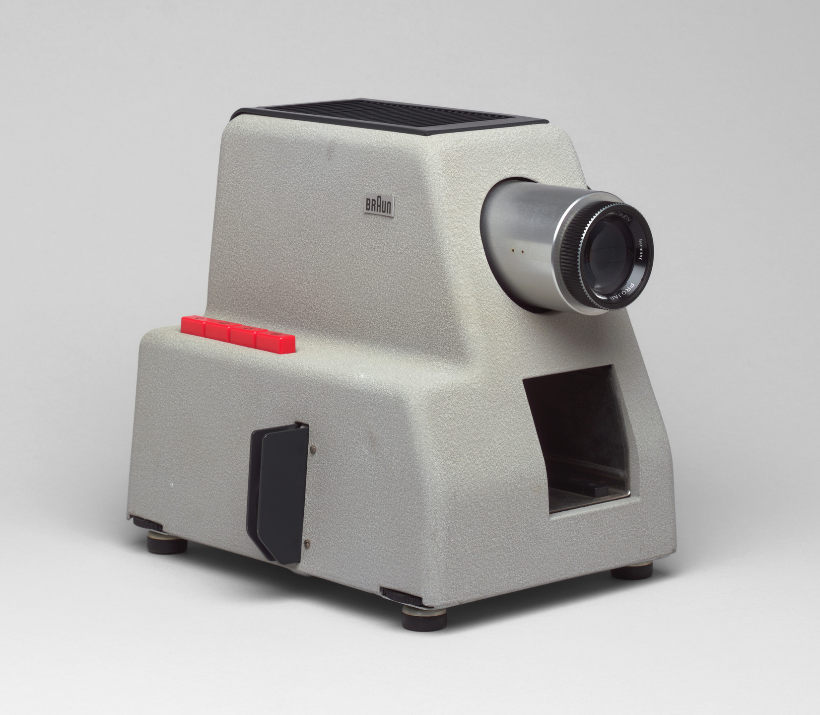 Dieter Rams. Automatic Slide Projector (model PA 2). 1956