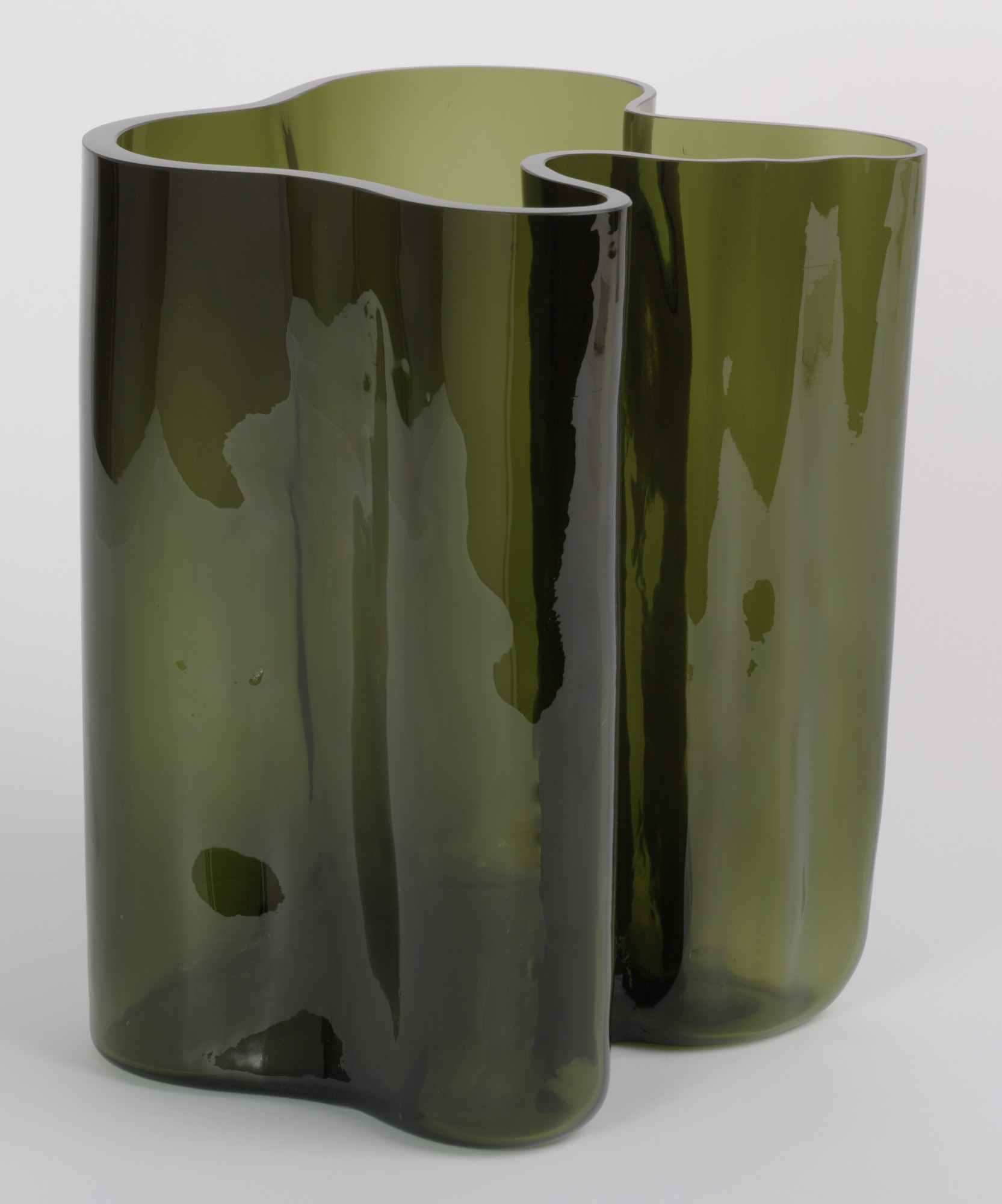 vase alvar viewitem new zoom green moss aalto iittala