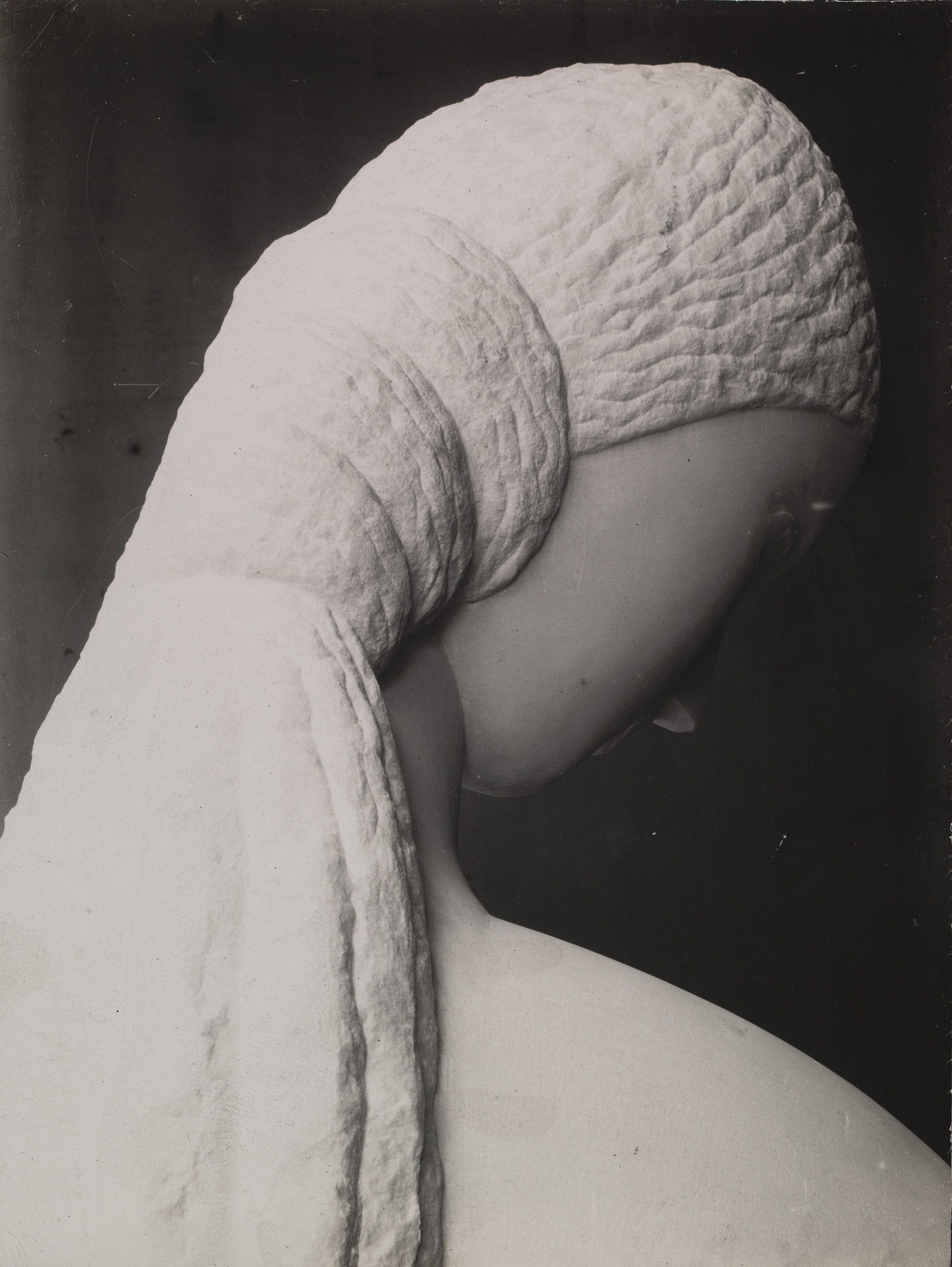 Constantin Brancusi. Untitled (Head of a Young Woman). 1910