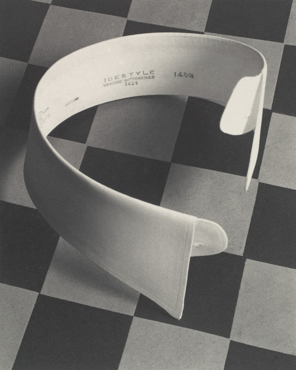 Paul Outerbridge. Ide Collar. 1922