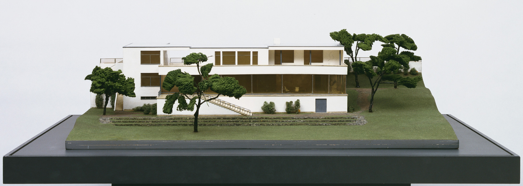 Ludwig Mies van der Rohe. Tugendhat House, Brno, Czechoslovakia (Model of final version). 1928-1930
