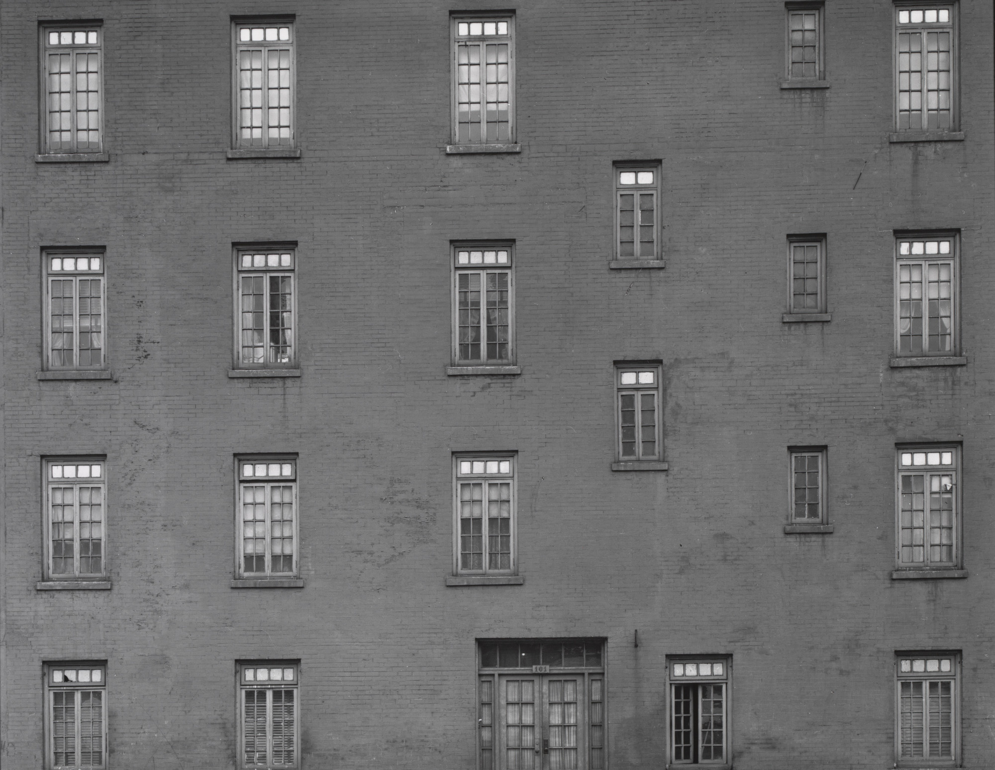 Harry Callahan. Chicago. 1945