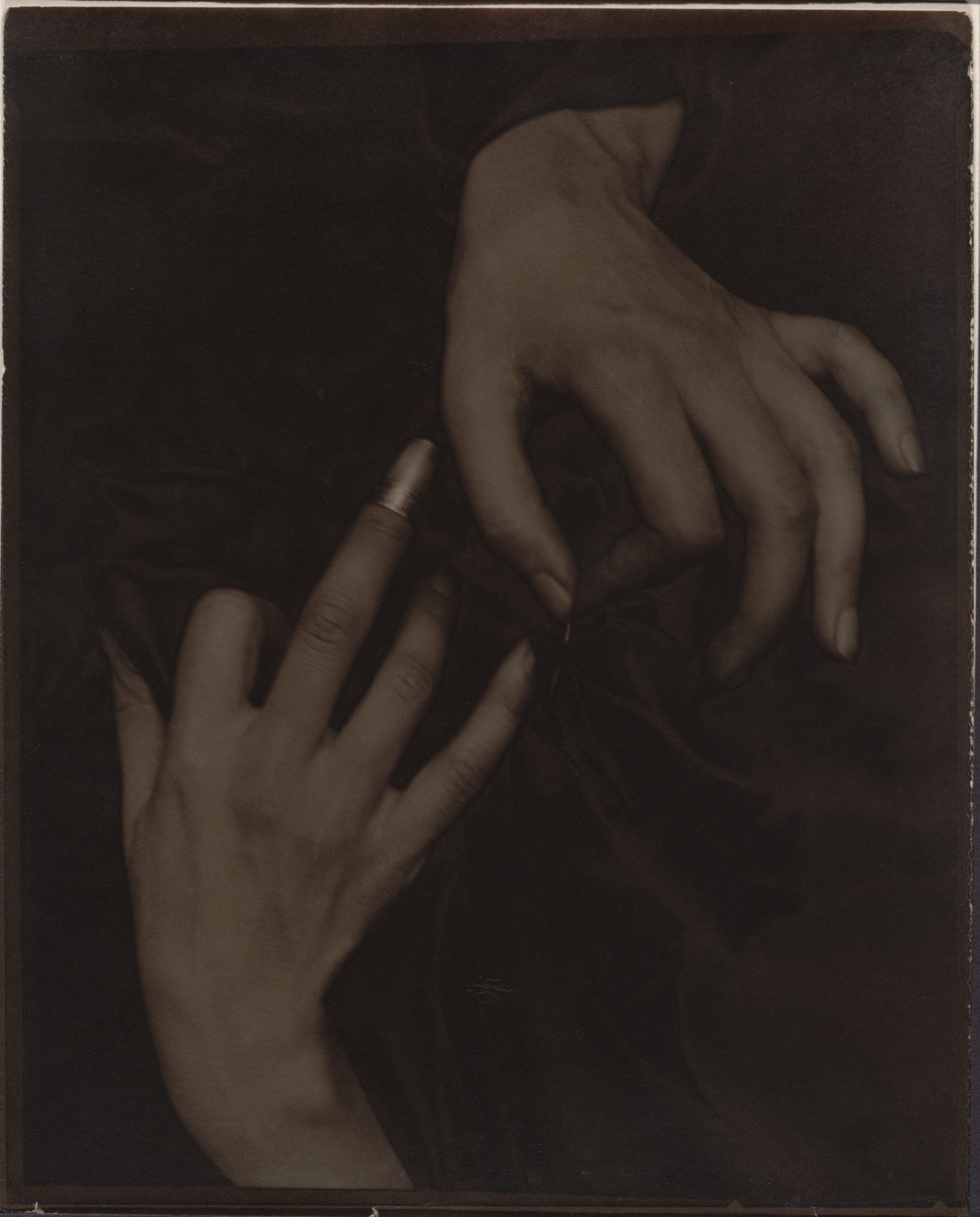 Alfred Stieglitz. Georgia O'Keeffe - Hands and Thimble. 1919