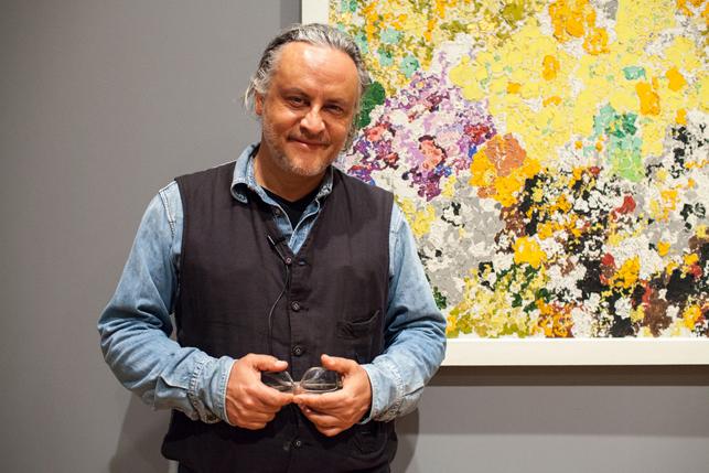 Gabriel Orozco with Augusto Giacometti's Chromatische Phantasie (Chromatic fantasy)