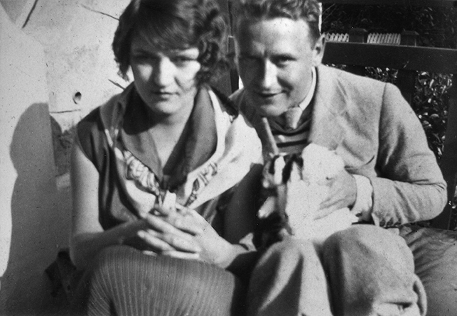 Zelda and Scott Fitzgerald, c. 1924. Sara and Gerald Murphy Papers, Yale Collection of American Literature, Beinecke Rare Book and Manuscript Library © Estate of Honoria Murphy Donnelly/Licensed by VAGA, New York, NY