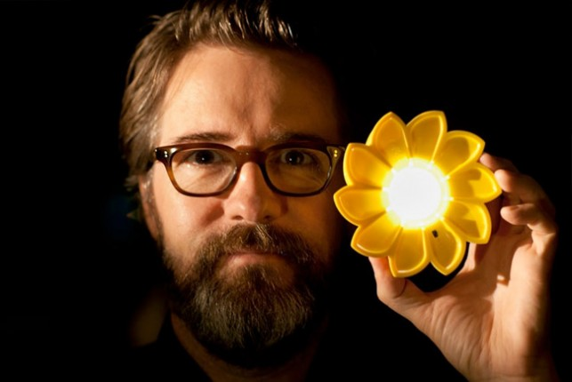 Artist Olafur Eliasson with his new design the Little Sun. Photo: Tomas Gislason