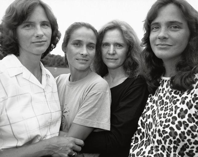 Nicholas Nixon. The Brown Sisters, Wellesley, Massachusetts. 1988. The Museum of Modern Art, New York. The Family of Man Fund. © 2014 Nicholas Nixon