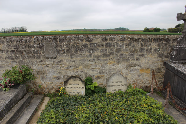 The graves of Vincent and Theo van Gogh. Photo by Alex Roediger
