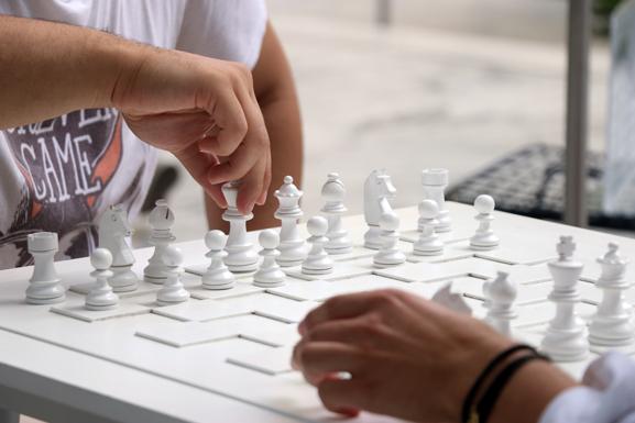 MoMA_Yoko_Chess_Post_001