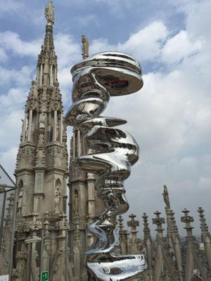 Tony Cragg. Elliptical Column. 2009. Installation view, Tony Cragg, dialogue with the Duomo, Duomo di Milano, April 16–October 31, 2015. Photo: Heidi Hirschl