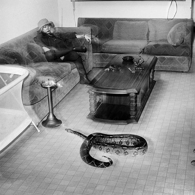 Rosalind Fox Solomon. Snake. 1992. Collection Richard andBonnie Grosbard. © Rosalind Fox Solomon