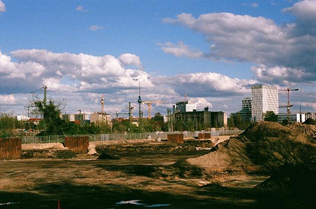 Empty lot in Berlin-Moabit, looking east to the Fernsehturm. Photo: Genevieve Lipinsky de Orlov